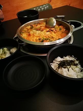 Seoul food dumpling soup
