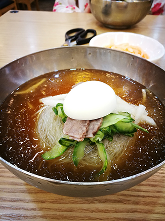 Seoul food Naengmyun